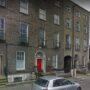 Дом номер 3 (с желтой дверью) по Аппер-Или-плейс в Дублине в наши дни